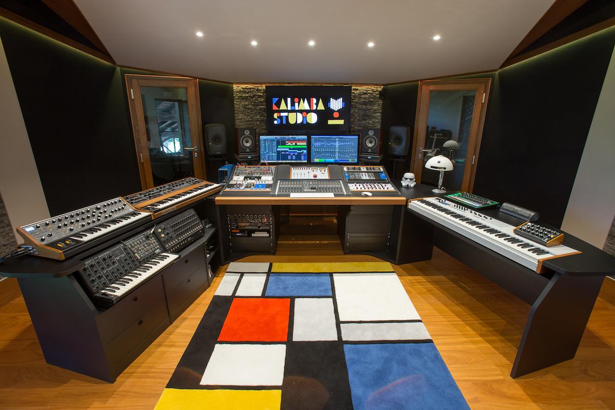 Kalimba studio colli euganei for Music studio flooring