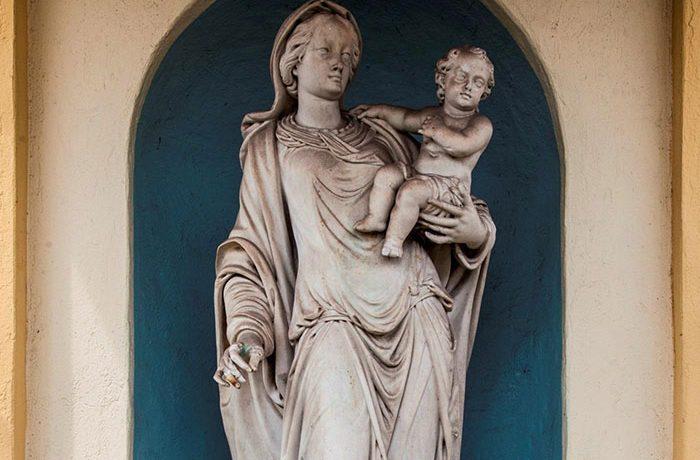 Il Capitello Fiandrini e la Madonna del Rizzi