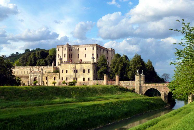 Il Castello del Catajo volta pagina